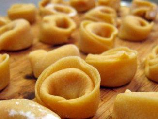 Come fare a preparare i tortellini