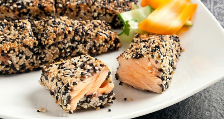 Come fare il salmone in crosta di sesamo